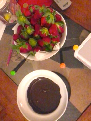 strawberries and chocolate fondue
